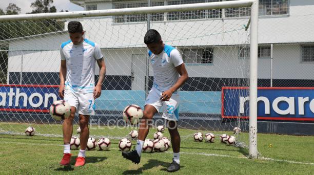 Los goleadores del cuadro 'Camaratta', Luis Amarilla (izq.) y Bruno Vides, juegan juntos desde esta temporada. Fotos: David Paredes / EL COMERCIO