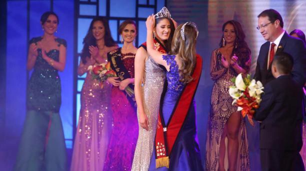 Andrea Barreno ganó la corona de Reina de San Francisco de Quito, este 28 de noviembre del 2019. Foto: EL COMERCIO