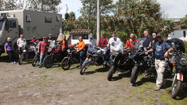 Encuentro de motoviajeros realizado en Sierra Alisos, organizado por Horizons Unlimited.
