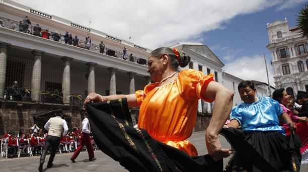 En Quito, el reporte sobre el pronóstico del clima señala que el cielo estará parcialmente nublado en el día y con lluvias de diferente intensidad en la noche, durante el 3, 4 y 5 de diciembre, cuando la capital celebra sus fiestas de fundación. Foto: Gal