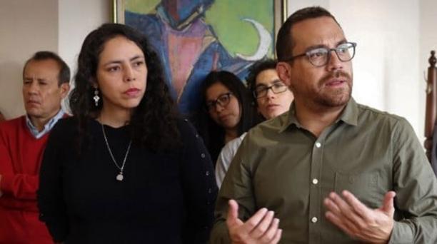 María Teresa Galarza, directora del Instituto de Fomento de las Artes, Innovación y Creatividades y Juan Fernando Velasco, ministro de Cultura. Foto: Facebook Ifaic.