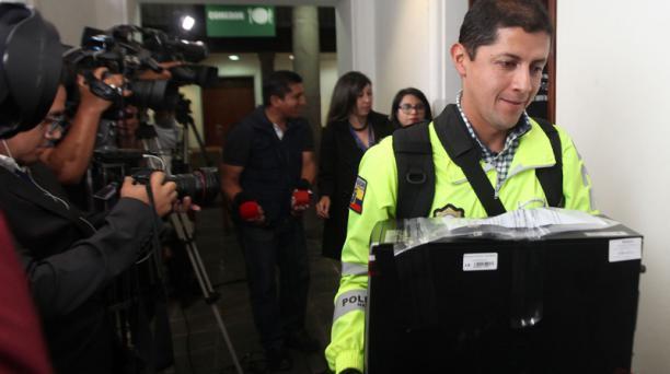 El 8 y el 27 de mayo del 2019, la Fiscalía allanó las oficinas de Pamela Martínez y Laura Terán,ubicadas en la Presidencia yenlaCorteConstitucional.
