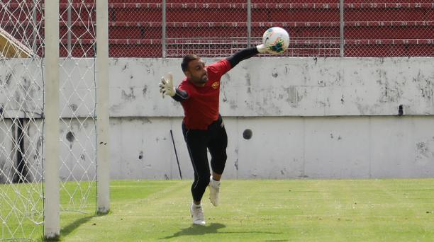 Damián Frascarelli será el golero estelar de Aucas esta temporada. Foto: David Paredes/ EL COMERCIO.