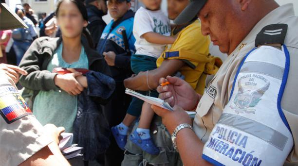 La Policía Nacional ha reforzado controles migratorios en Quito, después del asesinato registrado el pasado sábado. Foto: Eduardo Terán / EL COMERCIO