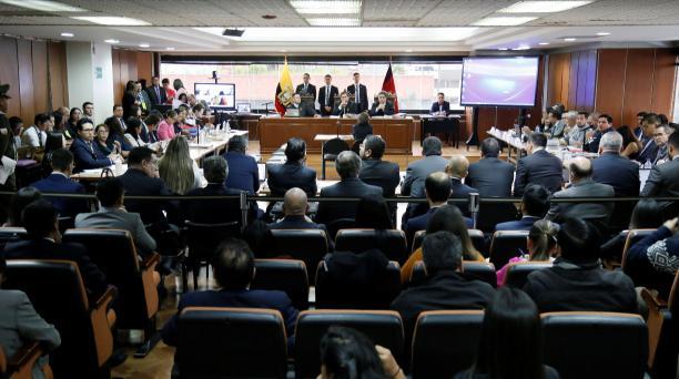En la foto, la instalación de la audiencia del juicio en contra de 21 personas del caso Sobornos en la Corte Nacional de Justicia este 10 de febrero del 2020. Los jueces Marco Rordríguez, Iván Saquicela e Iván León forman el Tribunal de jueces. Foto: Dieg