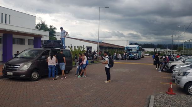 Los futbolistas juveniles de Independiente del Valle fueron evacuados del Centro de Alto Rendimiento de Chillo Jijón como medida de prevención del coronavirus. Foto: Cortesía de Independiente del Valle