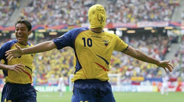 Jaime Iván Kaviedes festejó el tercer gol de Ecuador ante Costa Rica, por la segunda fecha del Grupo A del Mundial de Alemania 2006.