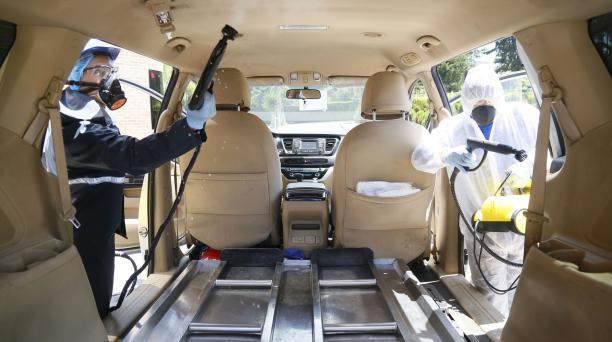 A diario se realizan sanitizaciones de las carrozas fúnebres que prestan servicios