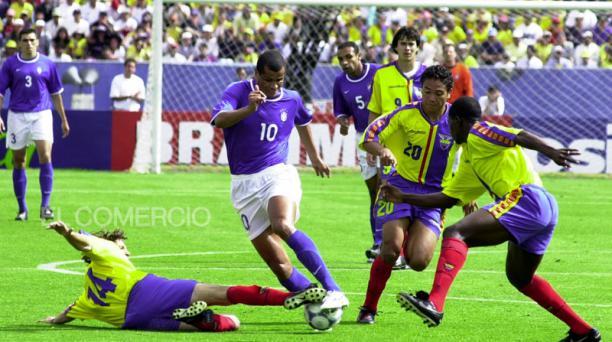 Ecuador logró el primer triunfo sobre Brasil en el estadio Atahualpa en el 2001. Fotos: Archivo EL COMERCIO