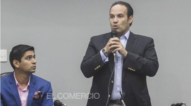 Francisco Egas (der.) y Jaime Estrada, en una reunión del 2019. Este 1 de mayo del 2020 se tiene previsto un Congreso extraordinario de la FEF. Foto: Archivo / EL COMERCIO