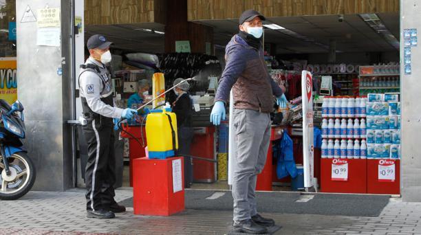 Los supermercados a escala nacional atienen al público con un nuevo horario en la etapa de nueva normalidad. Foto: Archivo EL COMERCIO