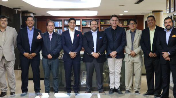 Los integrantes del Directorio de la Federación Ecuatoriana de Fútbol en enero del año 2019 cuando empezaban en funciones. Tomado de la FEF