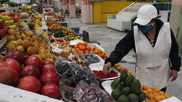 La venta de productos de primera necesidad creció. Foto: Galo Paguay / EL COMERCIO