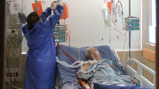 Imagen referencial. El Hospital Quito Sur, del Seguro Social, que mantiene su atención exclusiva de casos de covid-19, atendió hasta el lunes 29 de junio a 12 557 pacientes con sintomatología respiratoria. Foto: Archivo/ EL COMERCIO