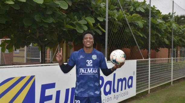 Daniel Angulo ya se entrena con el Orense, en el complejo Euclides Palacios. Foto cortesía del jugador