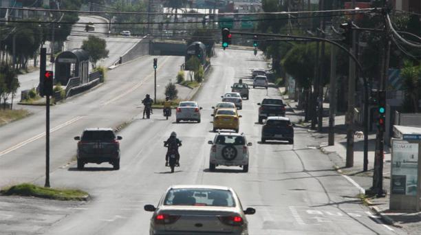 Desde este domingo 5 de julio del 2020 pueden circular taxis en Quito. Foto: Eduardo Terán / EL COMERCIO