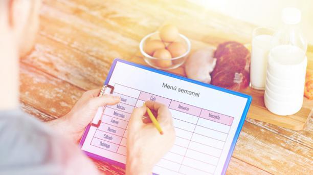 La planificación de las comidas es vital en el proceso de recuperar el peso ideal. Evite productos altos en azúcar. Foto: Ingimage