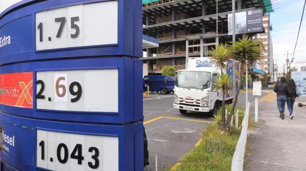 El precio de la gasolina súper fluctúa según el mercado y no está sujeto a bandas. Foto: Vicente Costales / EL COMERCIO