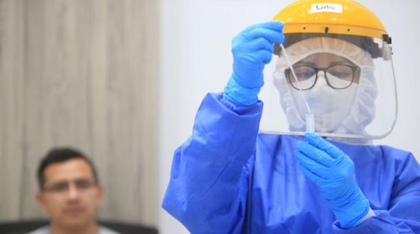 El 85% de las muestras secuenciadas en Ecuador del virus SARS-CoV-2 contienen una variante que lo vuelve más infeccioso. Foto: Diego Pallero/ EL COMERCIO.