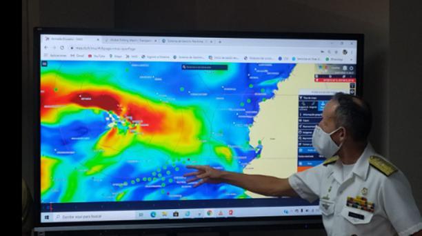 Los radares de la Armada identificaron 260 embarcaciones de abastecimiento y bodegaje. Las naves son vigiladas por las cobertas misileras Loja y Manabí. Foto: Cortesía / Armada de Ecuador