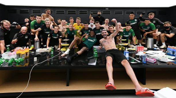 Los jugadores del Krasnodar celebran su clasificación a la fase previa de la Champions League. Foto: Twitter del club