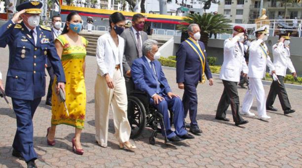 El presidente Lenín Moreno durante la ceremonia por el 79 aniversario del Combate Jambelí. Foto: Twitter @Presidencia_ECU