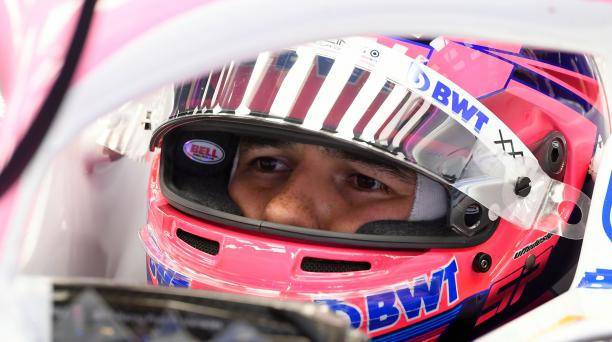 El mexicano Sergio Pérez es el primer piloto de las F1 que dio positivo al covid-19 y se perderá el Gran Premio de Gran Bretaña. Foto AFP