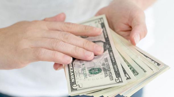 El pago del decimocuarto sueldo debe realizarse hasta el 15 de agosto del 2020; hay dudas entre los empleadores. Foto: wallpaperflare.