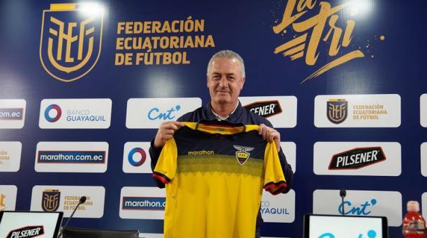 El entrenador de la Selección de Ecuador, Gustavo Alfaro, en la presentación de este lunes 7 de septiembre. Cortesía de la FEF