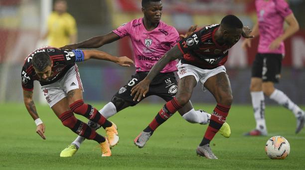 Moises Caicedo es uno de los jugadores con mejor rendimiento en Independiente del Valle, ante Flamengo. Foto:AFP