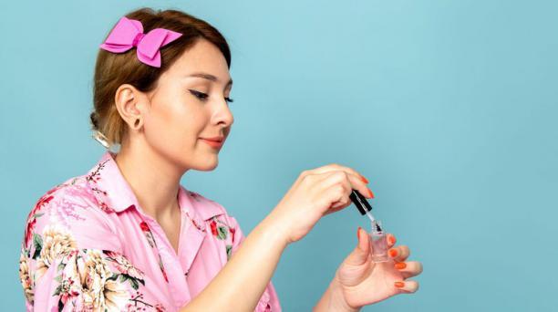 'Diseños florales' es una de las principales pesquisas relacionadas a 'uñas' en Google en estos meses. Foto. Freepik.es.