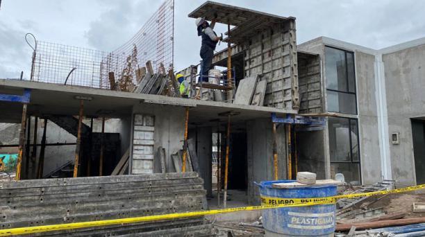 Trabajos en el Conjunto Habitacional Sirah II, de la constructora Proaño. La obra de vivienda se ubicada Pomasqui. Foto: Cortesía