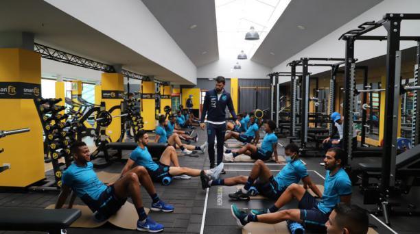 Los jugadores de la Selección hicieron trabajos físicos en el gimnasio en su primera jornada, en la Casa de la Selección. Foto: FEF