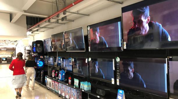 La ejecución de la norma que incrementaba los aranceles a televisores grandes en Ecuador se suspendió el pasado 10 de noviembre del 2020. Foto: Diego Pallero/ EL COMERCIO.