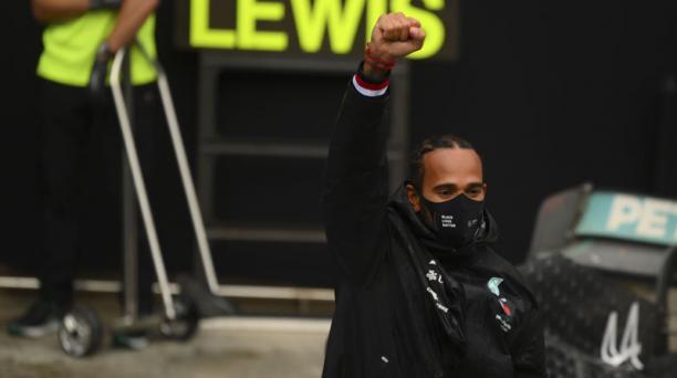 Hamilton se anota su séptimo Mundial al ganar en Turquía la F1. Foto: EFE