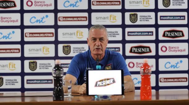 El DT de la Selección Gustavo Alfaro en rueda de prensa previo al cotejo ante Colombia, por la cuarta fecha de las eliminatorias del Mundial Catar 2022. Foto: La Tri