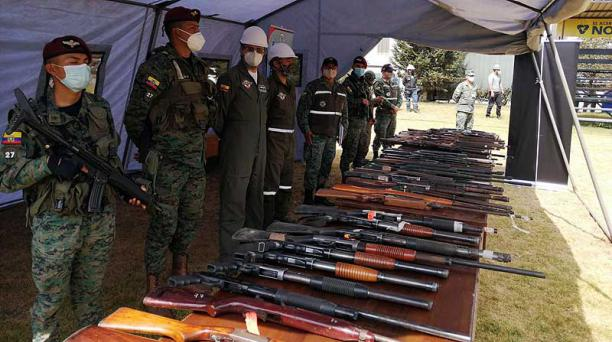 El pasado 12 de noviembre del 2020 se expuso el armamento que después fue destruido. Foto: cortesía