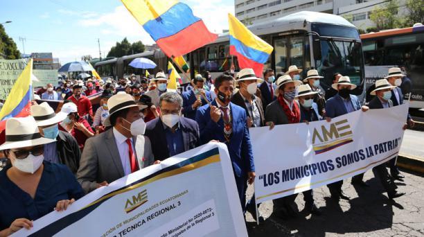 A inicios de mes, alcaldes se movilizaron en Quito para reclamar por asignaciones. Foto: Archivo / EL COMERCIO