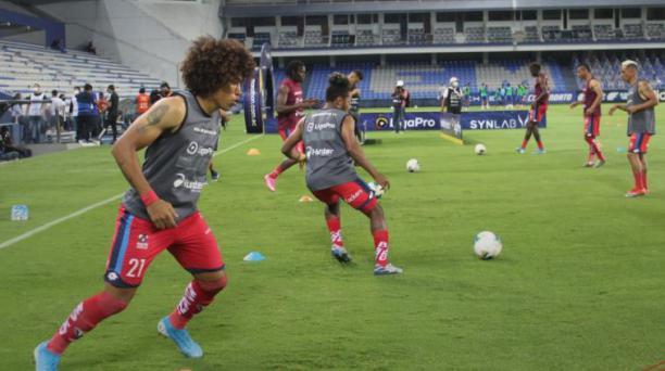 Luis Congo, delantero de El Nacional, en el partido ante Emelec en el estadio Capwell, en Guayaquil. Tomado de El Nacional