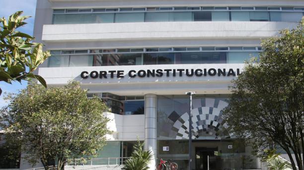 La Corte Constitucional recibió el 22 de diciembre del 2020, la demanda de conflicto de competencias impulsada por el CNE. Foto: Archivo/ EL COMERCIO