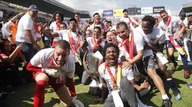 Imagen del campeonato de Liga de Quito en el 2018, en la que lucen -entre otros- Adrian Gabbarini, Edison Vega y Jordy Alcívar. Foto: Archivo El Comercio