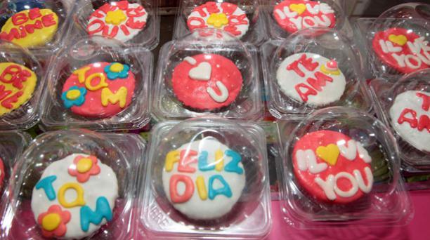 El local Amelia ubicado en Guayaquil ofrece a su clientela cupcakes decorados a su gusto. Foto: Mario Faustos/ EL COMERCIO.