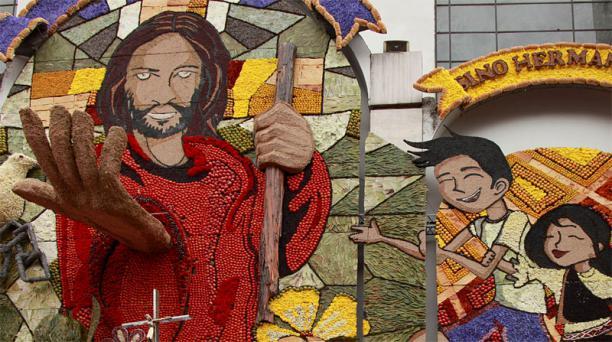 Fiestas de Ambato. Hoy se realizó la tradicional bendición de las frutas, flores y pan en Ambato. Glenda Giacometti/ El Comercio/ Ecuador
