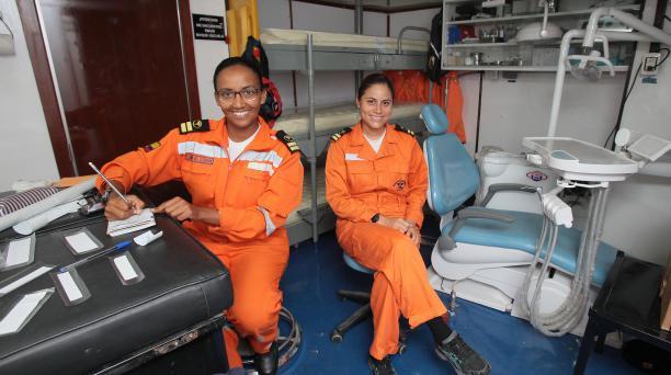 Karla Arellano e Íngrid Ortega serán las doctoras a bordo. Fotos: Enrique Pesantes / EL COMERCIO.