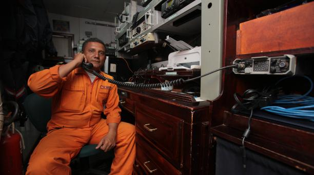 Rómulo Arias es el jefe de telecomunicaciones de la nave.. Fotos: Enrique Pesantes / EL COMERCIO.
