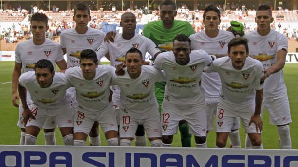 El equipo de Liga de Quito previo al partido ante Zamora de Venezuela en el estadio Casa Blanca en el partido de la Copa Sudamericana. AFP