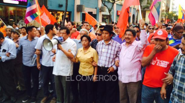 Marcha de sindicatos de trabajadores y grupo civiles en contra del Régimen en Guayaquil