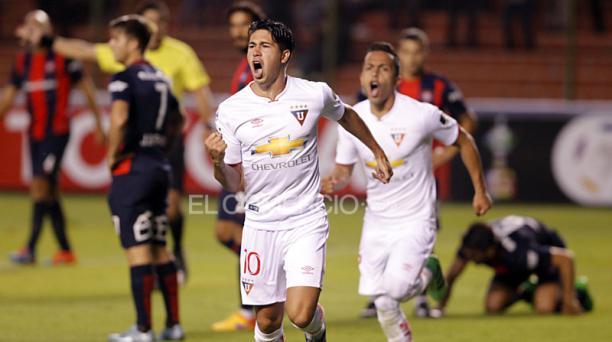 Diego Morales (10) de Liga de Quito celebra el gol anotado al San Lorenzo durante el partido del grupo 6 de la Copa Libertadores en el estadio Casa Blanca. Foto: Patricio Terán/ EL COMERCIO
