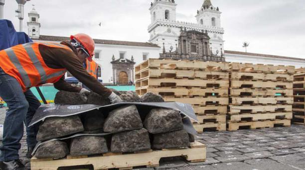 Después de quitar las rocas, el piso quedará al descubierto para la siguiente fase. Foto: Armando Prado/ EL COMERCIO