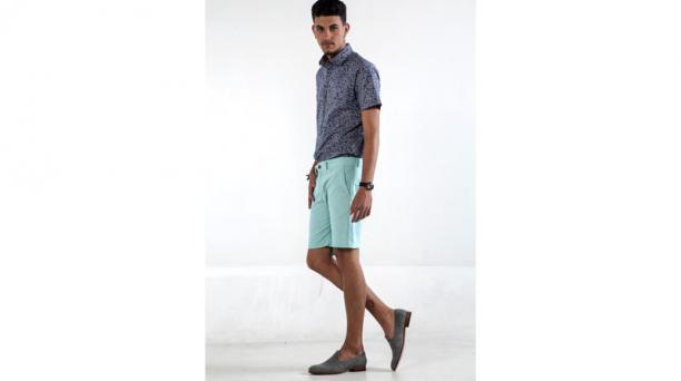 2.- El modelo viste una par de 'slippers' de Indie. Foto: Armando Prado / El Comercio